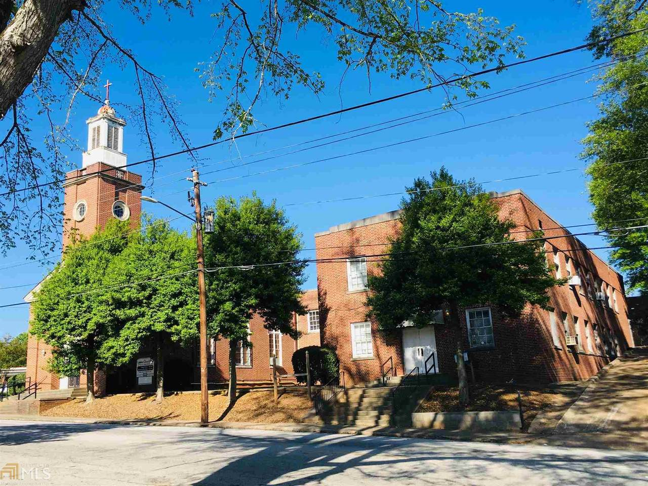 1764 Lakewood Ave - Photo 1