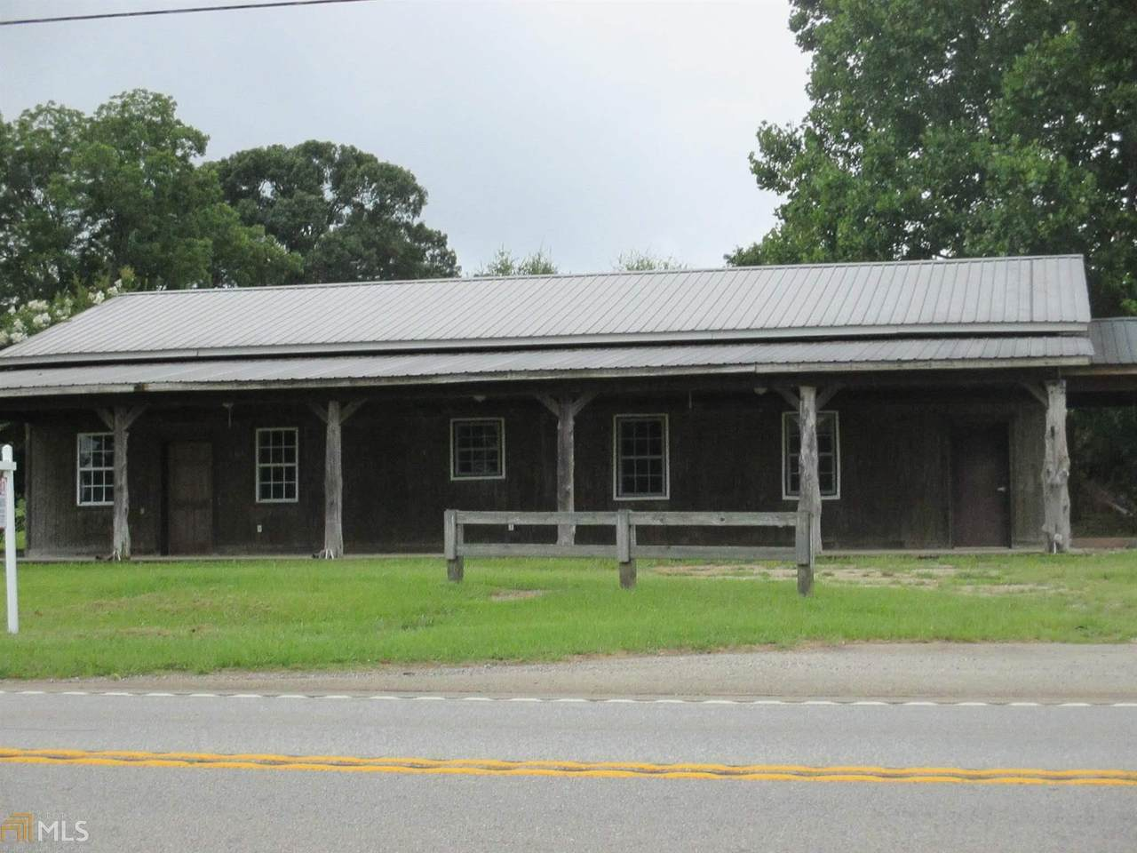 3707 Barnesville Hwy - Photo 1