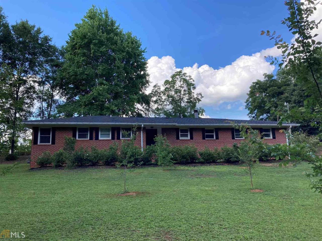 2363 Airport Dr - Photo 1