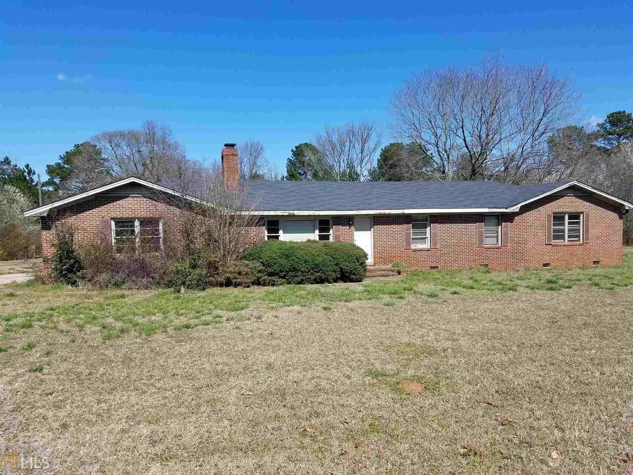 2404 Jonesboro Rd - Photo 1