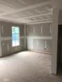 6888 Roswell Rd - Photo 19