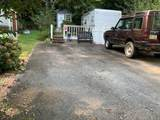 318 Creekview Drive - Photo 2