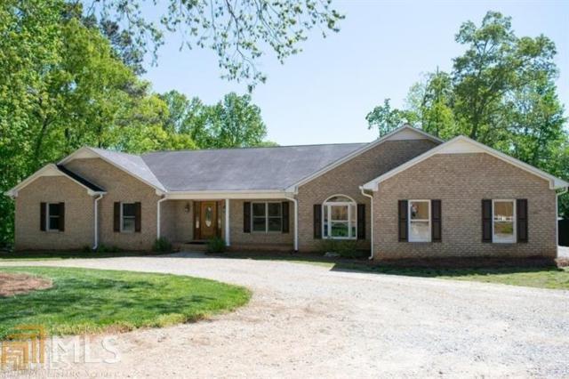 8820 Browns Bridge Rd, Gainesville, GA 30506 (MLS #8434776) :: Bonds Realty Group Keller Williams Realty - Atlanta Partners