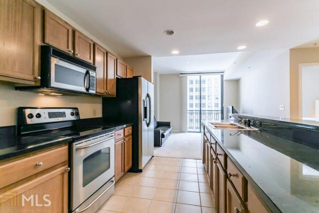 3040 Peachtree Rd #802, Atlanta, GA 30305 (MLS #8590760) :: Rettro Group