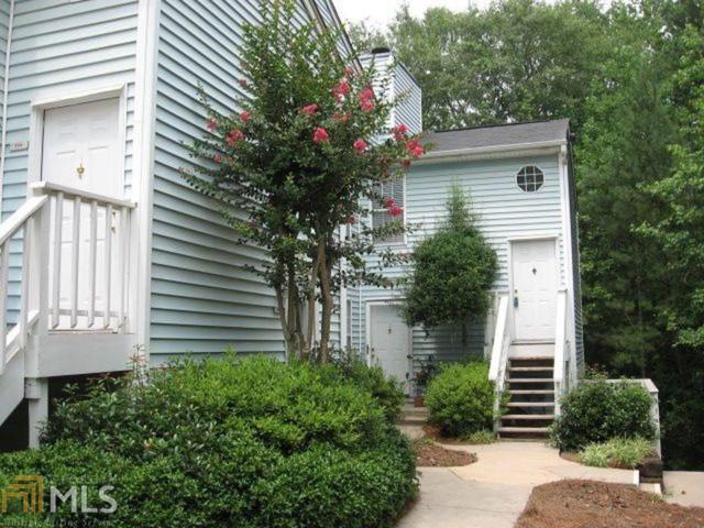 708 Glenleaf Dr, Peachtree Corners, GA 30092 (MLS #8600433) :: The Heyl Group at Keller Williams