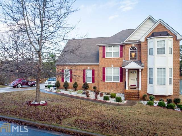 2725 Lakeside Dr, Conyers, GA 30094 (MLS #8758527) :: Rettro Group