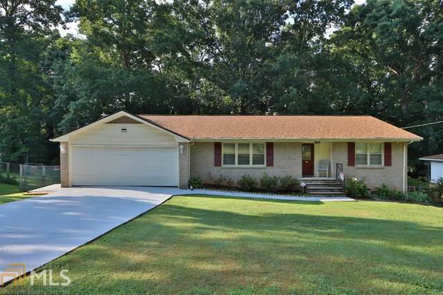 2906 Castle Dr, Lawrenceville, GA 30044 (MLS #8805369) :: Crown Realty Group