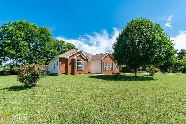 305 Towerview Circle, Mount Airy, GA 30563 (MLS #8814683) :: Rettro Group