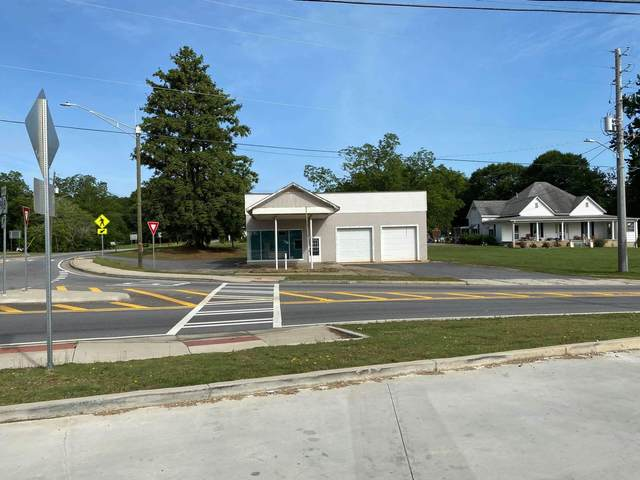 415 General Daniel Ave, Danielsville, GA 30633 (MLS #8856837) :: The Durham Team