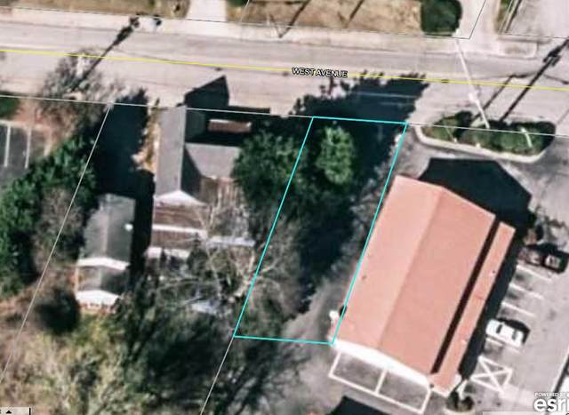 521 SW West Ave, Gainesville, GA 30501 (MLS #8861881) :: The Heyl Group at Keller Williams