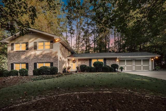 1674 N Springs Dr, Dunwoody, GA 30338 (MLS #8877760) :: Crown Realty Group