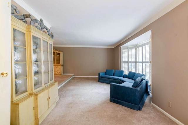 5285 Mount Vernon Pkwy, Atlanta, GA 30327 (MLS #8890665) :: Rettro Group