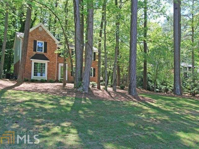 1017 Hidden Hollow Dr, Marietta, GA 30068 (MLS #8893735) :: Keller Williams Realty Atlanta Classic