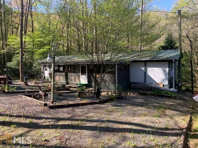 4423 Rock Creek Rd, Hiawassee, GA 30546 (MLS #8965625) :: Team Cozart