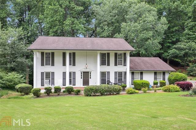 1300 Oakhaven Dr, Roswell, GA 30075 (MLS #8998901) :: The Realty Queen & Team