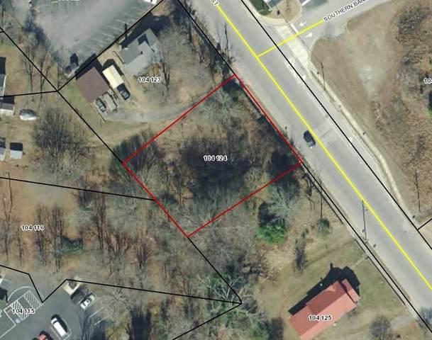 319 Washington Street, Clarkesville, GA 30523 (MLS #9044178) :: Houska Realty Group