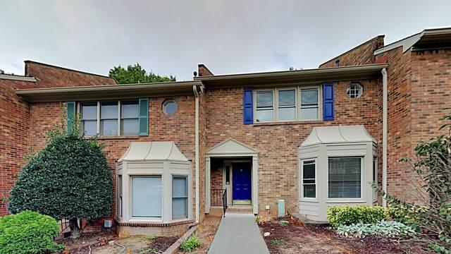 6145 Windsor Trace Drive, Peachtree Corners, GA 30092 (MLS #9068609) :: Anderson & Associates