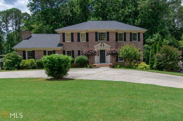 5820 Clinchfield Trl, Peachtree Corners, GA 30092 (MLS #8811807) :: Buffington Real Estate Group