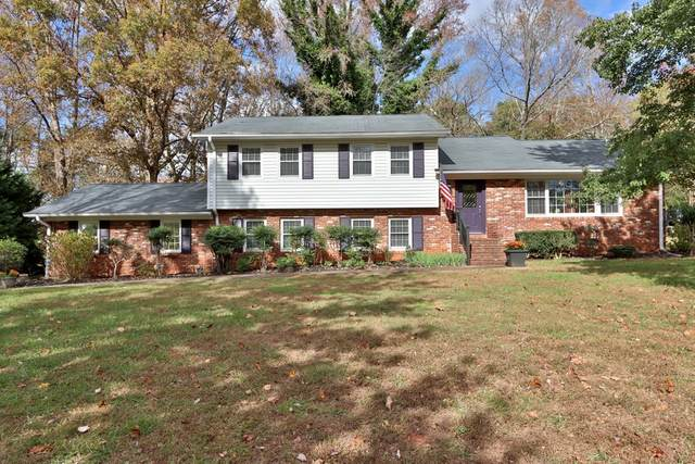 2208 Skyline Dr, Gainesville, GA 30501 (MLS #8888932) :: Tim Stout and Associates