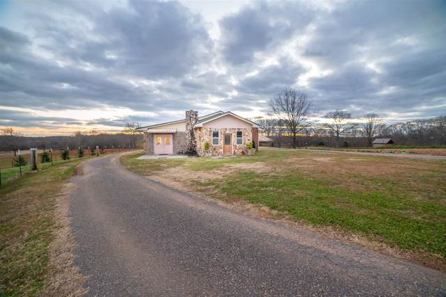 426 Mulberry River Rd, Winder, GA 30680 (MLS #8908131) :: The Realty Queen & Team
