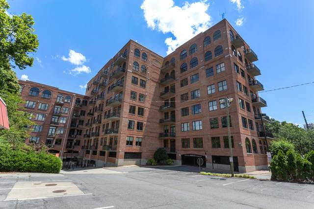 3235 Roswell Rd #405, Atlanta, GA 30305 (MLS #8914845) :: Tim Stout and Associates