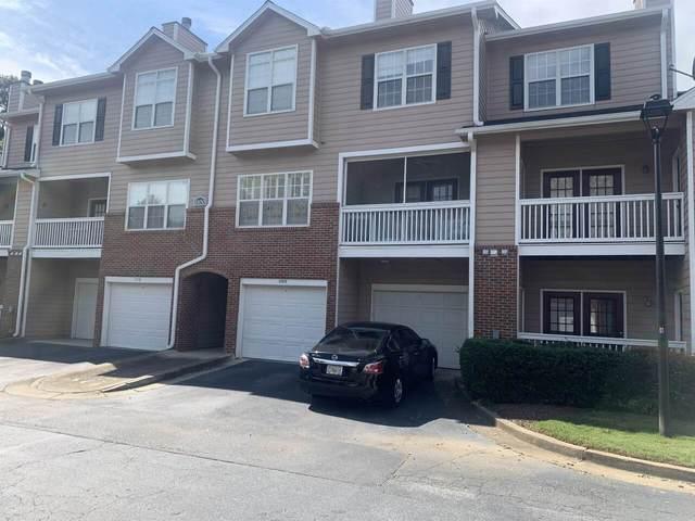 1102 Vinings Forest Lane, Smyrna, GA 30080 (MLS #9033723) :: Crown Realty Group