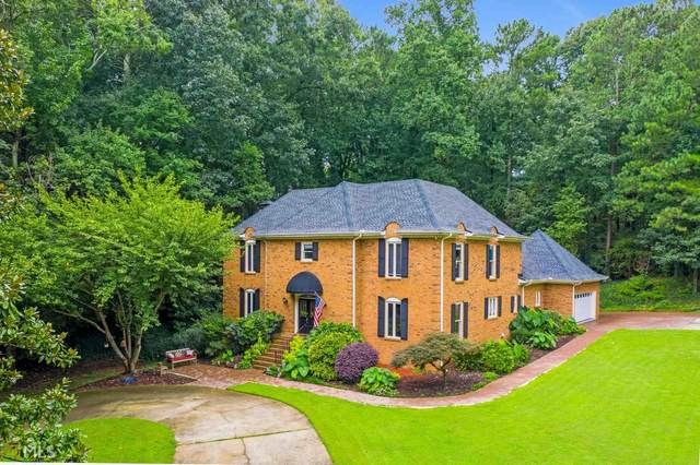 5025 Oak Bluff Ct, Sandy Springs, GA 30350 (MLS #8844546) :: Military Realty