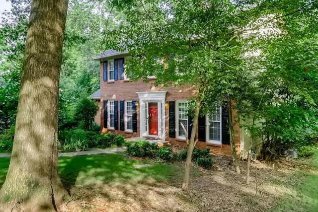 9147 Branch Valley, Roswell, GA 30076 (MLS #9013585) :: The Heyl Group at Keller Williams