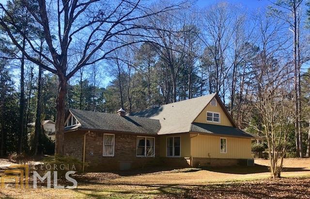 1 Perthshire Drive, Peachtree City, GA 30269 (MLS #8312600) :: Bonds Realty Group Keller Williams Realty - Atlanta Partners