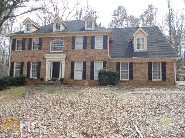 5581 Foxglen Cir, Lithonia, GA 30038 (MLS #8351009) :: The Durham Team