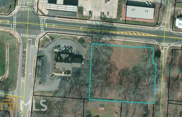 7851 Highway 16 E, Senoia, GA 30276 (MLS #8357647) :: Anderson & Associates