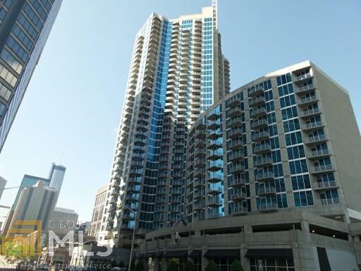 400 W Peachtree #1610, Atlanta, GA 30308 (MLS #8368946) :: Keller Williams Realty Atlanta Partners
