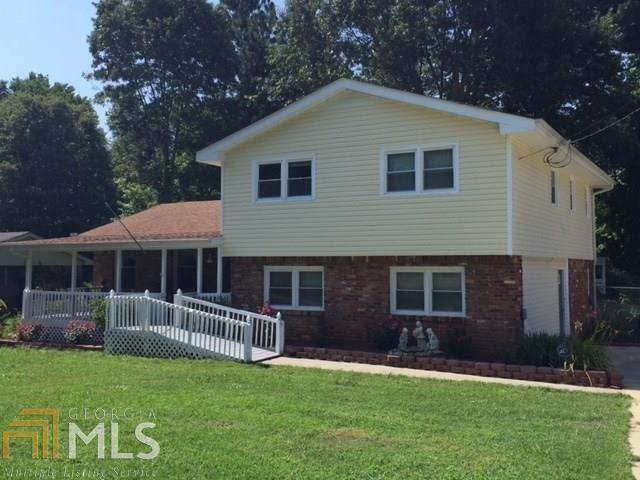 2877 Springlake Dr, Buford, GA 30519 (MLS #8399650) :: Bonds Realty Group Keller Williams Realty - Atlanta Partners