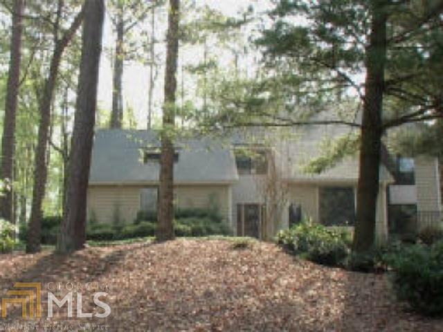 9500 Huntcliff Trce, Atlanta, GA 30350 (MLS #8402570) :: Buffington Real Estate Group