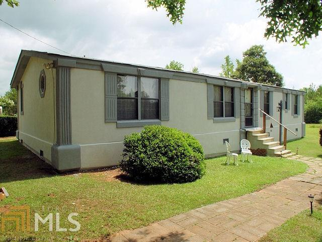 1350 Bucksnort Rd, Jackson, GA 30233 (MLS #8407264) :: Anderson & Associates
