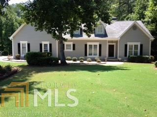 255 Tomahawk Dr., Sharpsburg, GA 30277 (MLS #8421935) :: Anderson & Associates