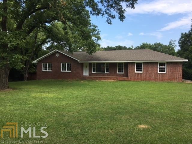 391 Conyers Rd, Loganville, GA 30052 (MLS #8448929) :: Anderson & Associates