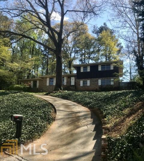 1236 S Shadygrove Ct, Stone Mountain, GA 30083 (MLS #8554432) :: Ashton Taylor Realty