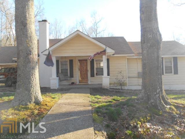 393 Maple Hill Rd, Carrollton, GA 30116 (MLS #8587732) :: The Heyl Group at Keller Williams
