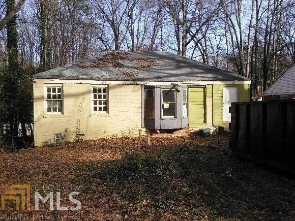 1873 Oakmont Dr, Atlanta, GA 30314 (MLS #8594775) :: Crown Realty Group