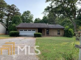 8161 Taylor Rd, Riverdale, GA 30274 (MLS #8598738) :: The Heyl Group at Keller Williams