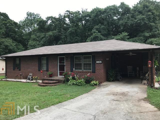 2214 E Mcintosh Rd, Griffin, GA 30223 (MLS #8601945) :: The Heyl Group at Keller Williams