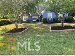 6379 Flat Rock Dr, Flowery Branch, GA 30542 (MLS #8620380) :: The Heyl Group at Keller Williams