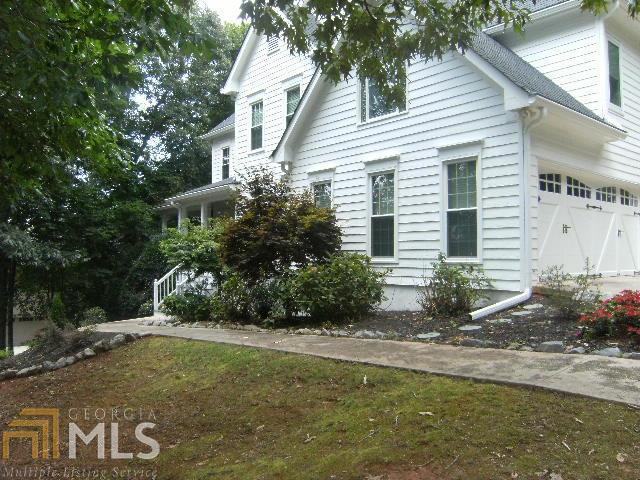 6028 Bateau Drive, Flowery Branch, GA 30542 (MLS #8623046) :: Buffington Real Estate Group