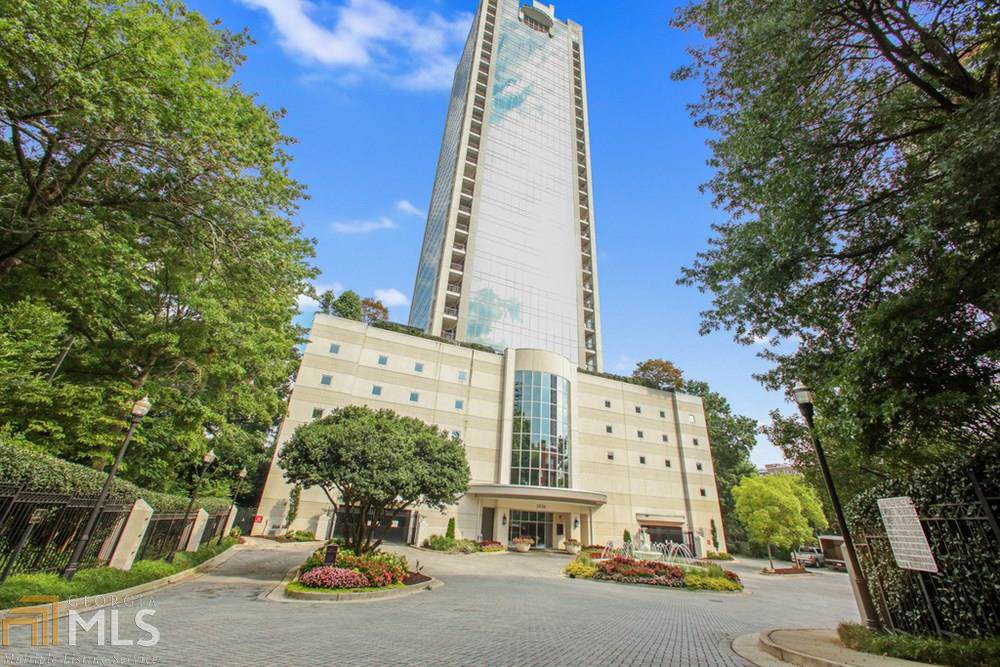 2828 Peachtree Rd - Photo 1