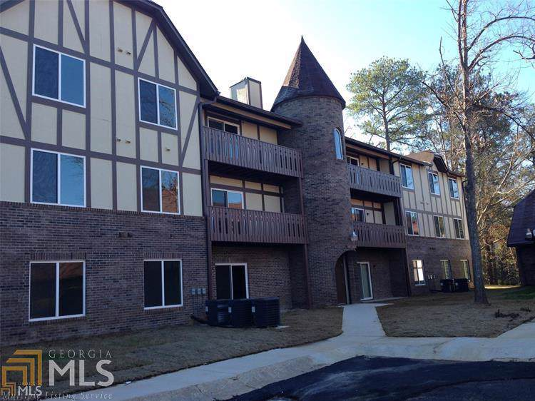 510 Camelot - Photo 1