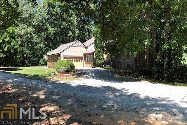 3341 Camelot Way, Loganville, GA 30052 (MLS #8652368) :: The Heyl Group at Keller Williams