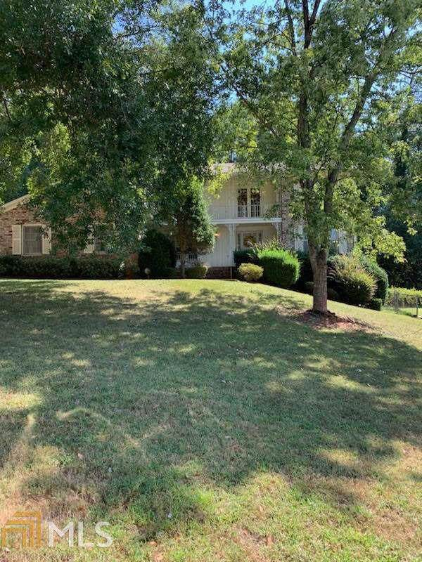 4182 Autumn Hill Dr, Stone Mountain, GA 30083 (MLS #8656823) :: RE/MAX Eagle Creek Realty