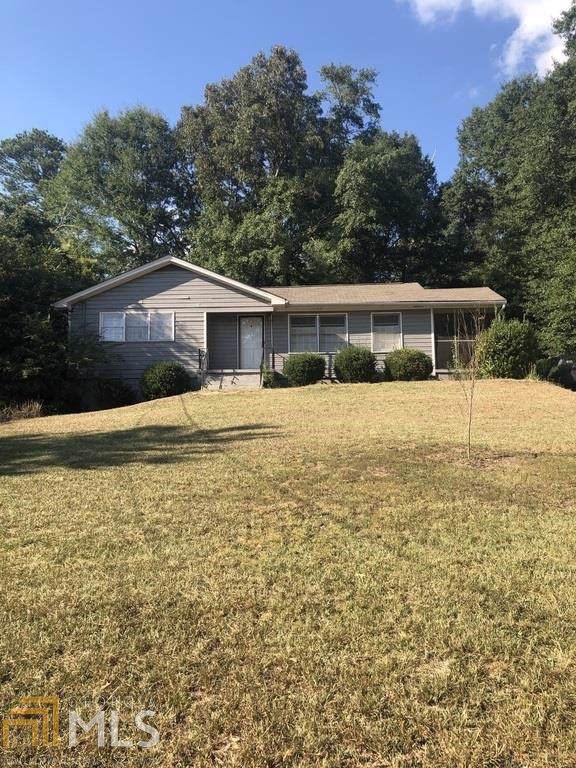 376 Christopher Dr, Gainesville, GA 30501 (MLS #8657363) :: The Heyl Group at Keller Williams