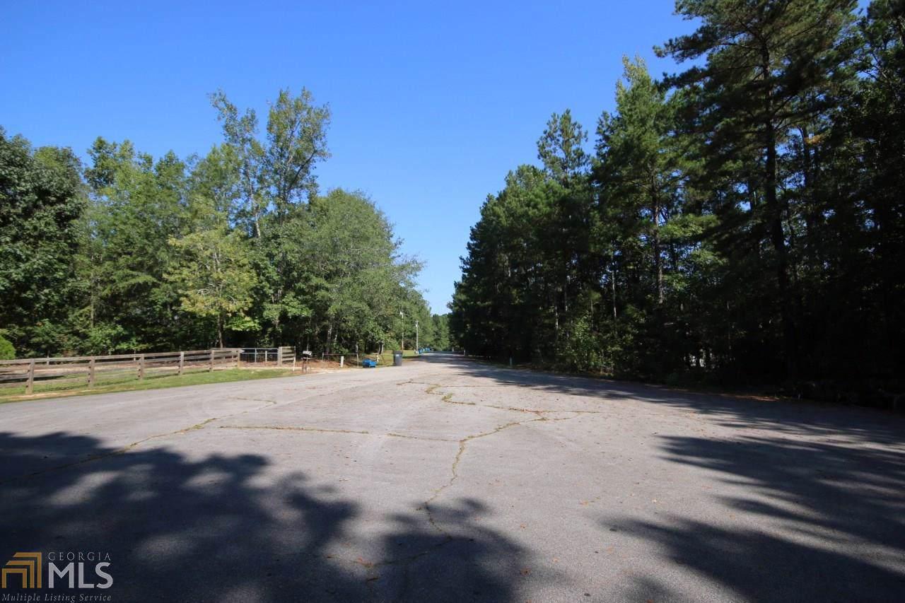 2861 Tree Top Rd - Photo 1